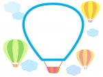 気球と雲のフレーム飾り枠イラスト